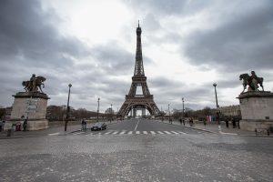 पेरिसमा एक महिना लकडाउन