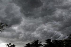कालो बादल देखिनासाथ बस्तीमा त्रास